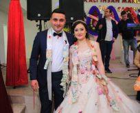 Büşra Karaçoban ile Serkan Çıra Nişanlandı