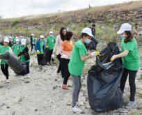 Çevre Gönüllüleri Atıkları Topladı