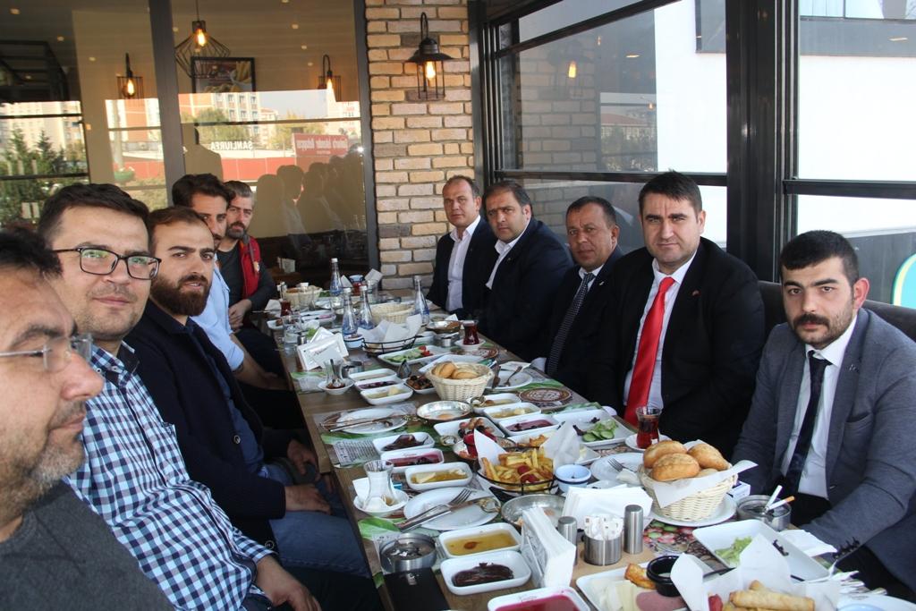Türker, Gazeteciler Gününü Kutladı