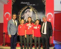 Başkan Mandalı'dan Sporculara 17 Altın
