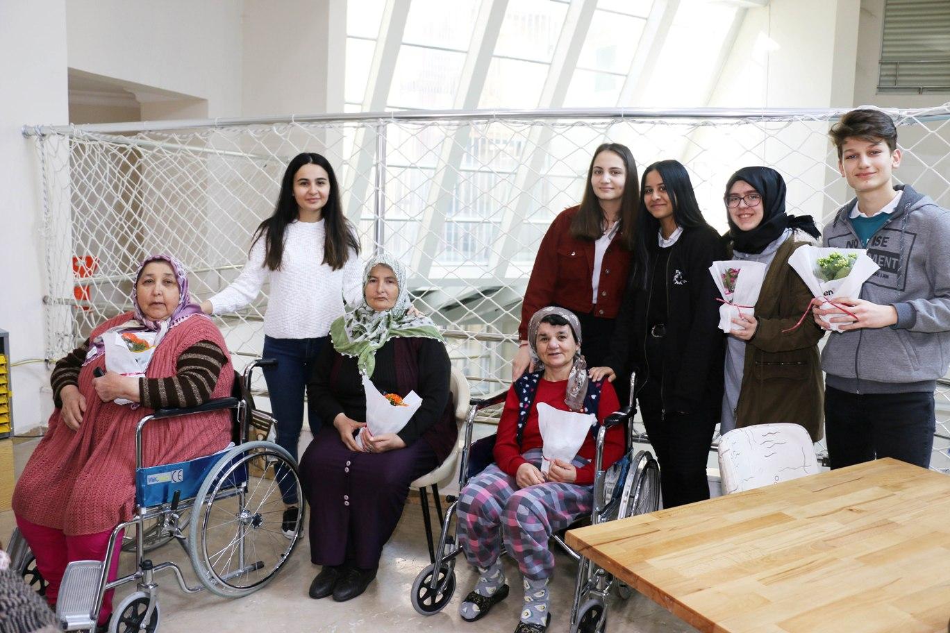 6.Meslek Komitesi Yaşlıları Ziyaret etti